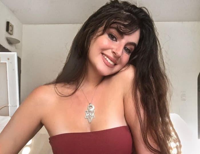 Mira Hirsch - Emmeline Glam